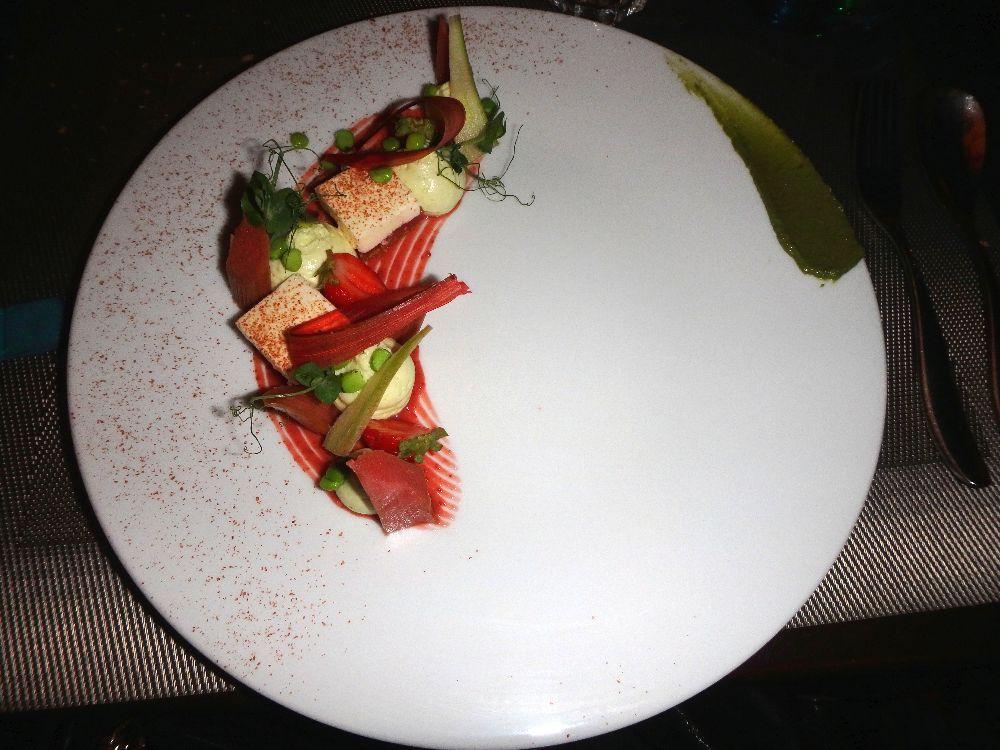 fraise rhubarbe pesto basilic