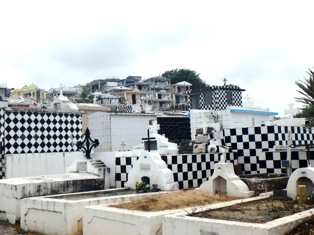 Le cimetière de Morne à l'eau en Guadeloupe