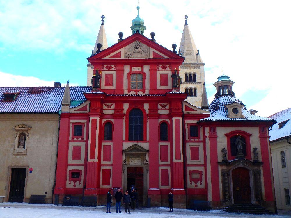 La Basilique Saint Georges au château de Prague