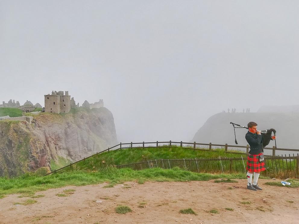 Le château de Dunnottar en Ecosse, sous la brume