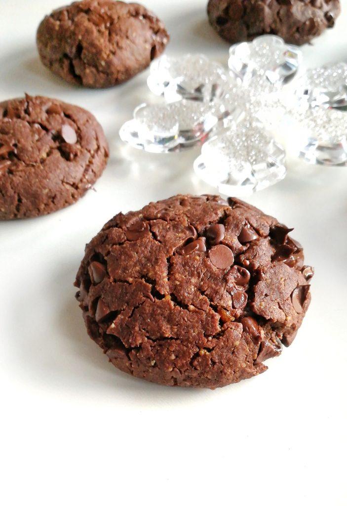 Goûtez ses délicieux cookies tout chocolat, beurre de cacahuète et fleur de sel ! Tellement gourmands et pourtant très sains pour en manger sans culpabilités !