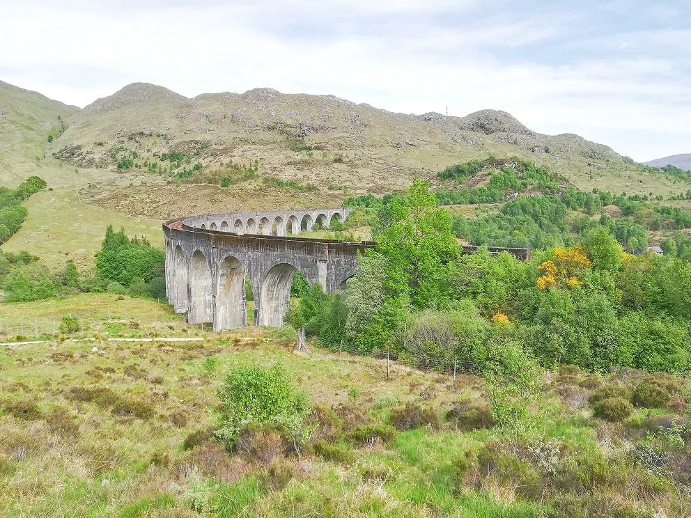 Le célèbre Viaduc de Glennfinnan en Ecosse, sur lequel roule le Poudlard Express